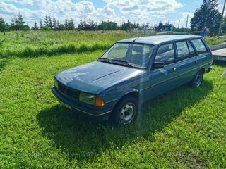 Peugeot 305 GL 1.6 54kW