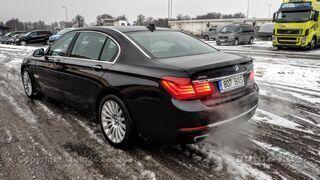 BMW 750 i Long xDrive INDIVIDUAL 3xTV Facelift 2013 4.4 330kW