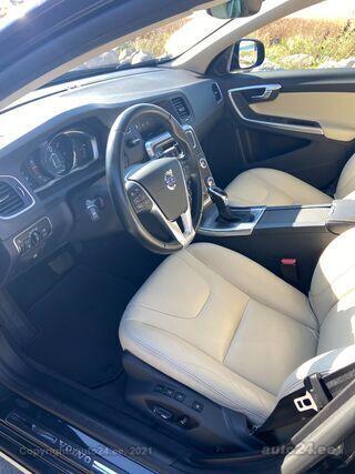Volvo V60 Cross Country SUMMUM / BUSINESS 2.0 110kW