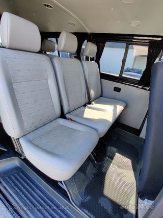 Volkswagen Transporter Kombi TDI Facelift Long 2.0 75kW