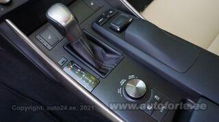 Lexus IS 300h 2.5 133kW