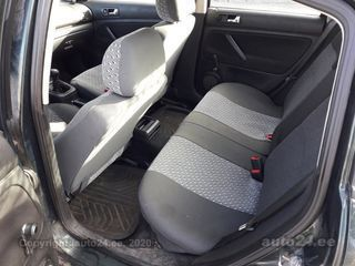 Volkswagen Passat 1.8 92kW