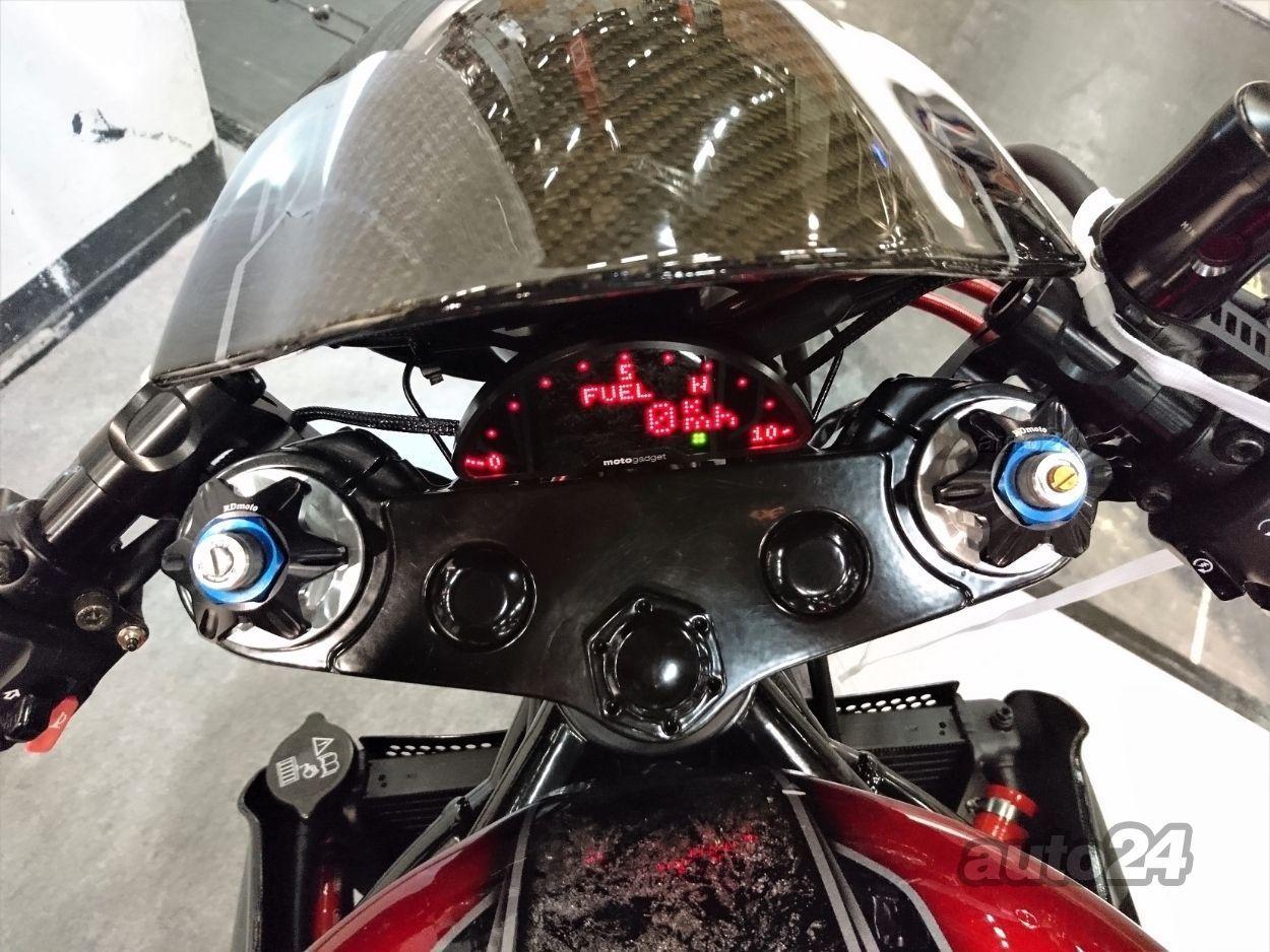 Triumph Speed Triple 1050 Cafe Racer 96kW