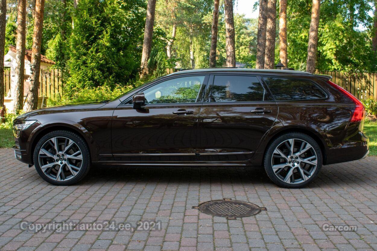 Volvo V90 Cross Country AWD Intelli Safe PRO Xenium Wint 2.0 D5 HEICO Sportiv 190kW  173 kW