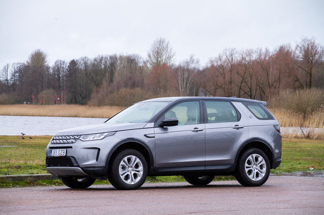 Land Rover Discovery Sport Hybrid. Foto: Laas Valkonen