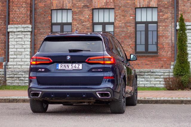 BMW X5 Xdrive45e. Foto: Laas Valkonen