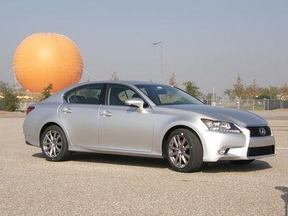 Neljanda põlvkonna Lexus GS ei saa diiselmootorit ega universaalkere, küll aga rohkelt lihtsalt kasutatavat tipptehnoloogiat ning varasemast veidi enam praktilisust.