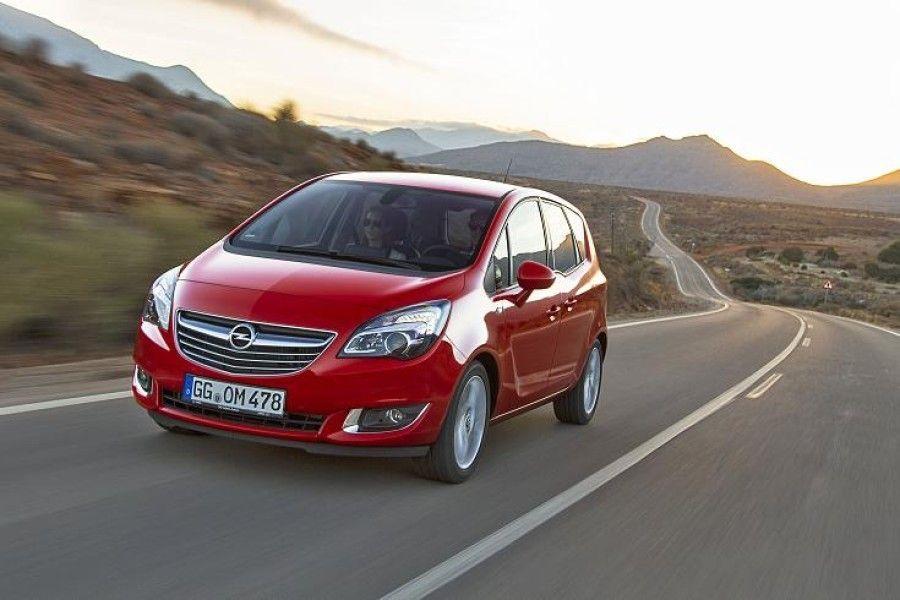Väliselt on uuendatud Opel Merivat senisest keeruline eristada ka siis, kui kaks autot kõrvuti seisavad. Mudelivärskenduse põhiuudis peitub mootorikatte all.